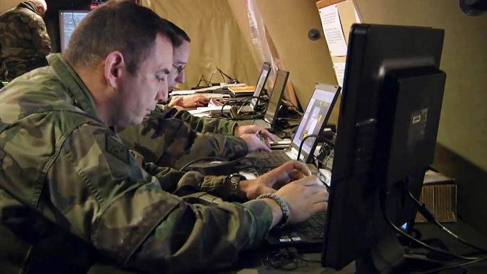 Cyberguerre, l'arme fatale ? et L'histoire secrète de la NSA